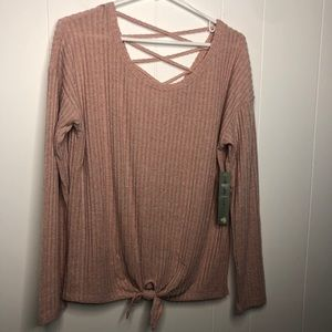 NWT Absolutely Famous rose ribbed top. Size XL